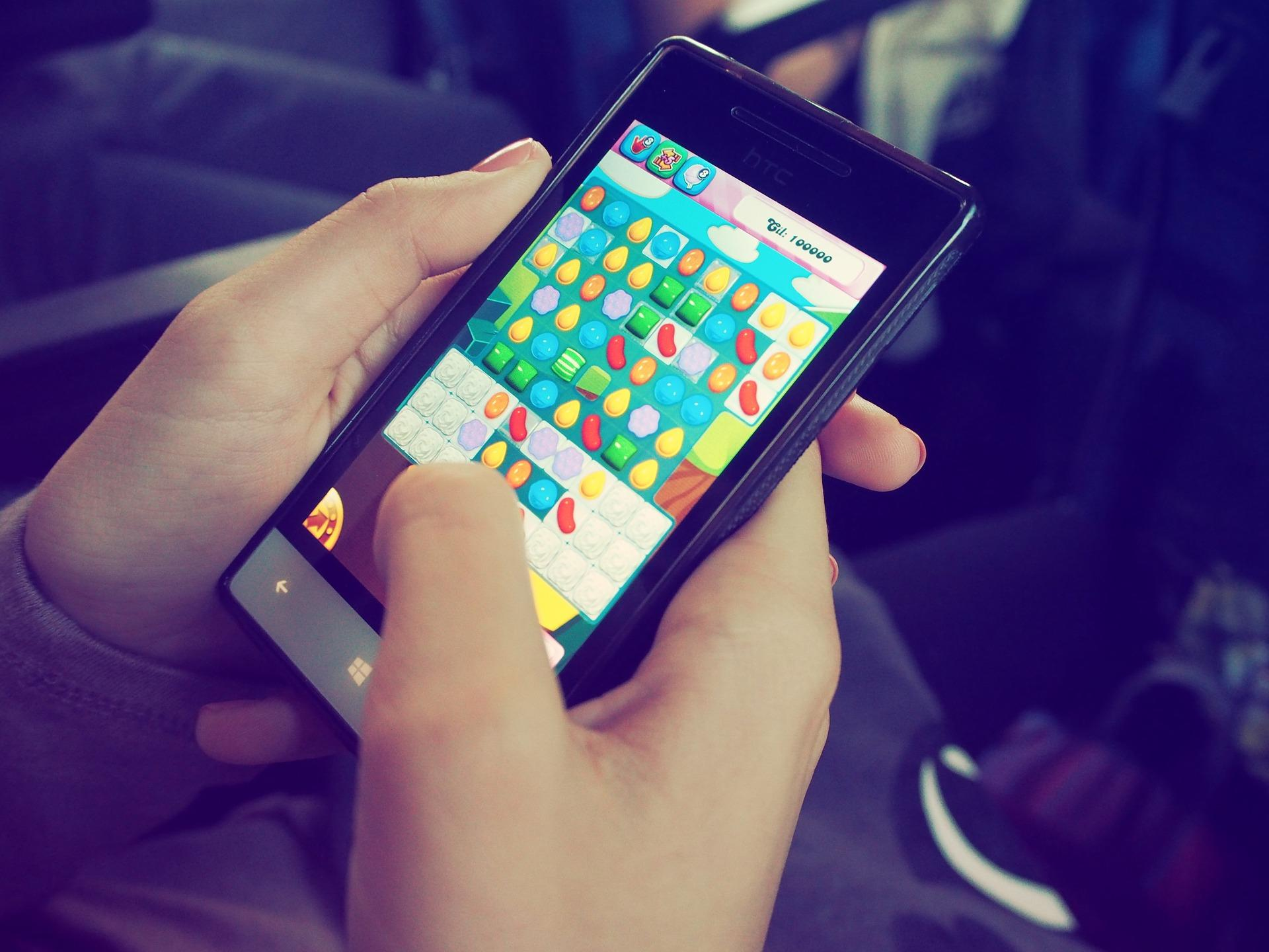 Candy Crush on mobile